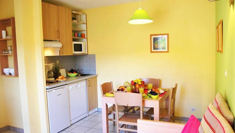 Vente privée Résidence le Village des Aloes 3* – Pièce à vivre (Appartement Antigua)