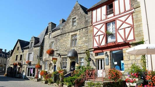 Vente privée : Village de charme en Bretagne