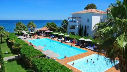 Vente privée : Corse : Piscine et plage privée