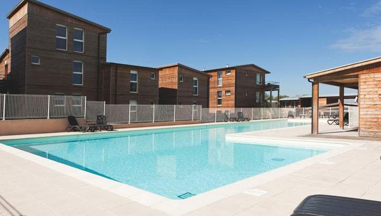 R sidence les hameaux de montr al vente priv e jusqu au for Club piscine montreal locations