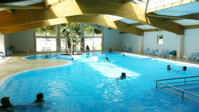 Camping 4 les sables de cordouan vente priv e jusqu au for Camping royan piscine couverte